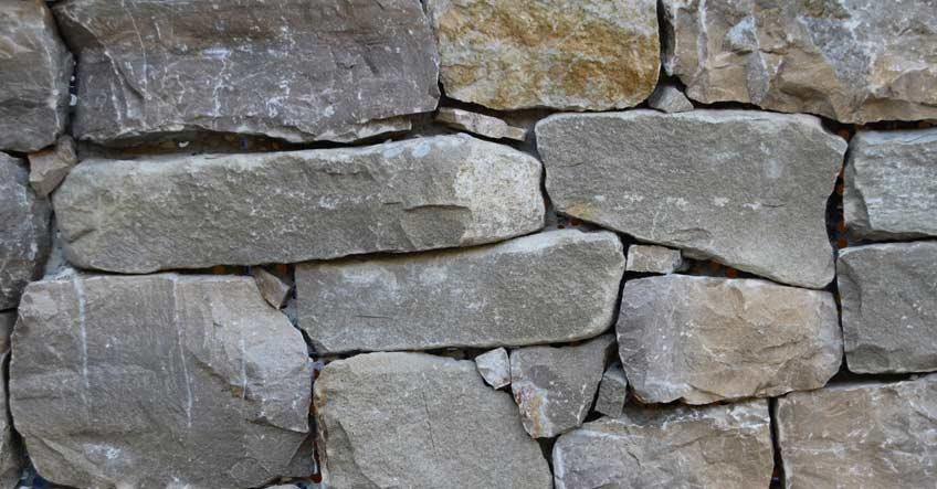 Come Costruire Un Muro Di Pietra.Muri Di Contenimento Si Posa La Storia