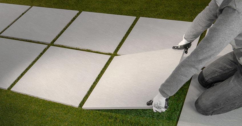 Pavimenti drenanti per esterni. free piastrella in wpc colore grigio