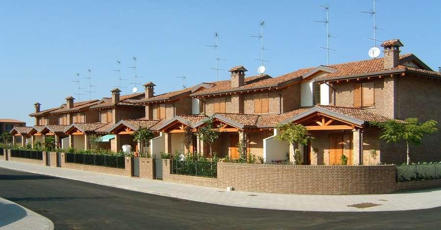 Villette a schiera i muri esterni sono 39 parti comuni - Autorizzazione condominio per ampliamento piano casa ...